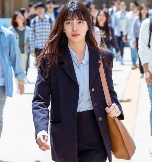 Bae Suzy , bergaya dan mewah di Start-Up (Lanvin)