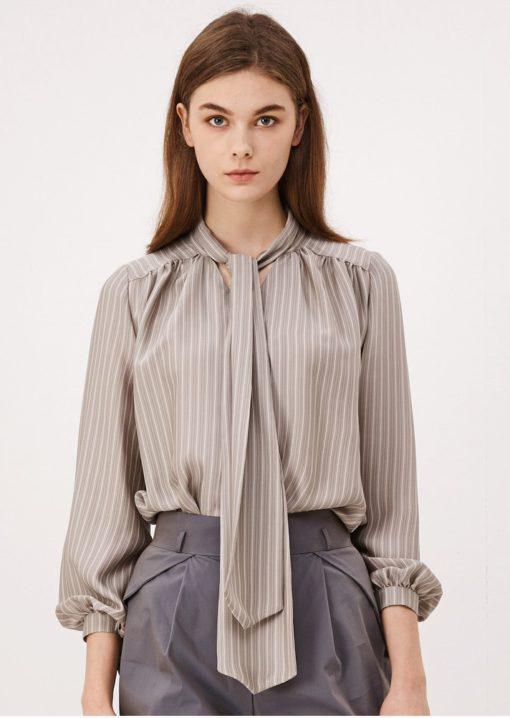 Start-Up Suzy Silk Blouse is must-have for everyday (CAHIERS)