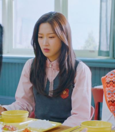 Baju merah jambu True Beauty Moon Ga Young