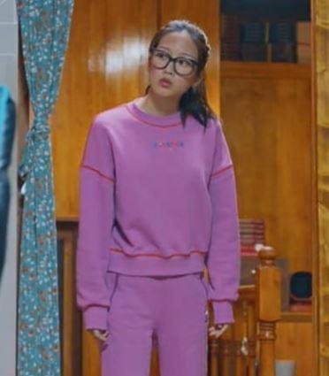 True Beauty Moon Ga Young áo len màu hồng dễ thương