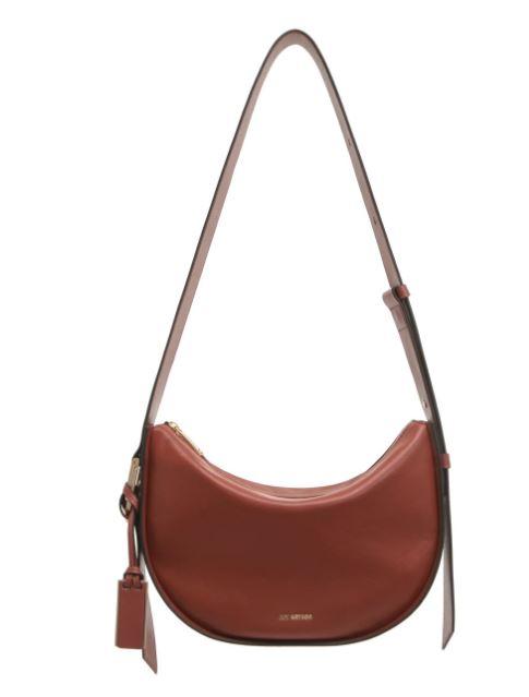 True Beauty Moon Ga Young brown shoulder bag is eyecatching