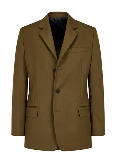 Ela nunca saberia que a jaqueta de alfaiataria Rowoon 3 são super legais