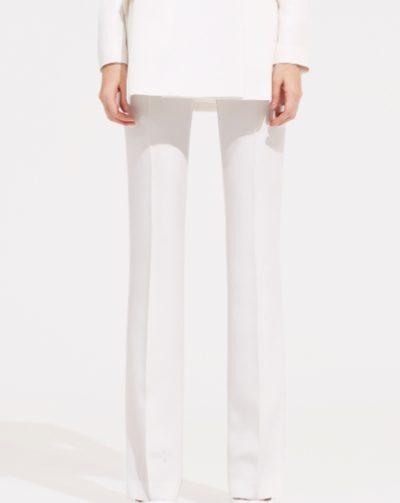 Celana tipis sutra putih Penthouse Kim So yeon benar-benar bergaya