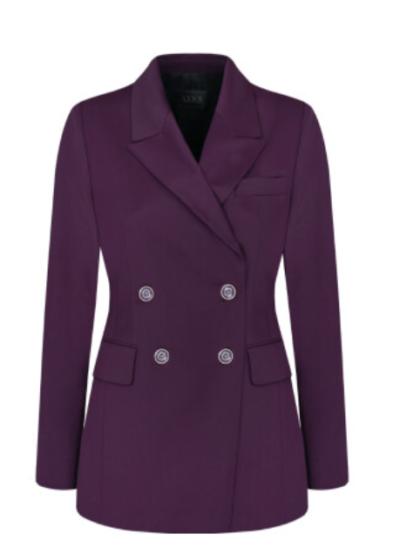 A jaqueta roxa Vincenzo Jeon Yeo Bin é realmente atraente