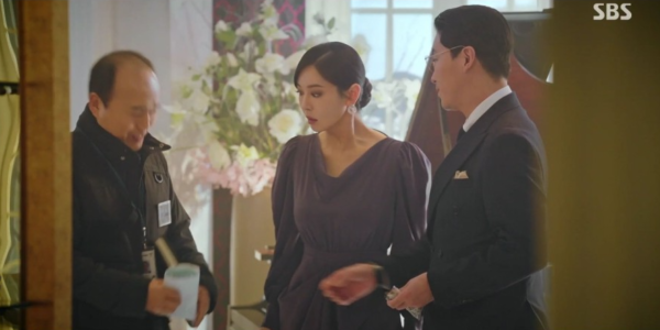 Penthouse Kim So yeon drape one-piece absolutely elegant