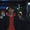Vincenzo Ok Taek Yeon com capuz vermelho superestiloso