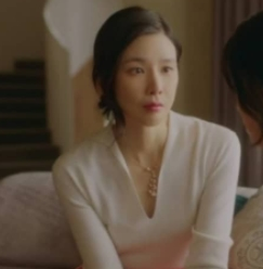 Mine Lee Bo Young LORO PIANA Polo-shirt is absolutely luxury