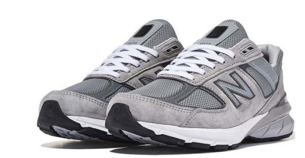 模仿林娜年輕灰色跑鞋絕對是受歡迎的專案