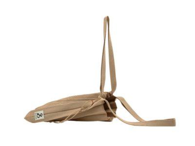 อย่างไรก็ตาม กระเป๋าสีน้ำตาลสไตล์ลำลองของ Han So hee นั้นดูดีมีระดับจริงๆ