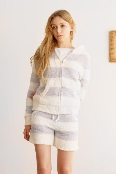 My Roommate Is A Gumiho Hyeri Stripe Hood-Zip Sleep Knit Set est extrêmement charmant